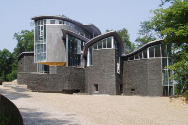 Davoli McDonagh Residence